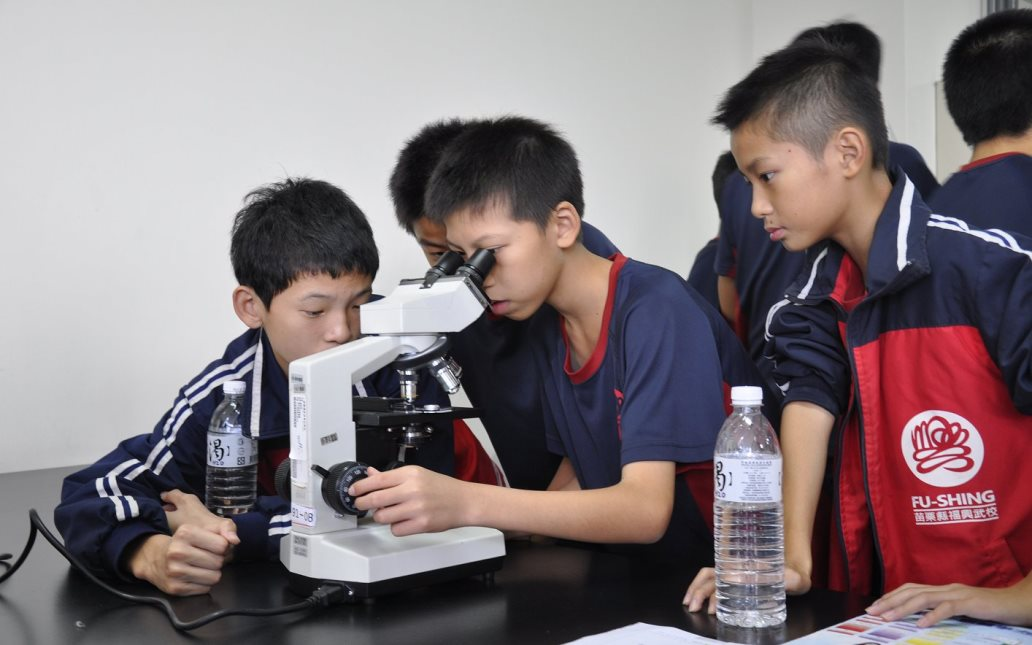 醫事檢驗科-技職體驗課程